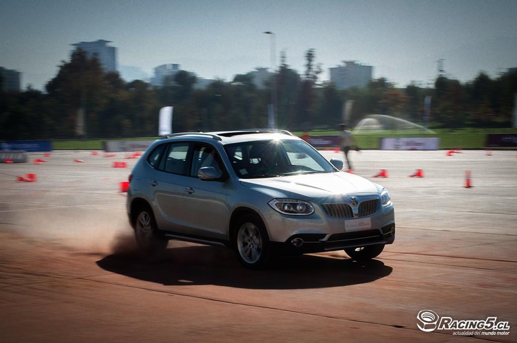 Brilliance lanza en Chile su crossover V5 con motorización Turbo