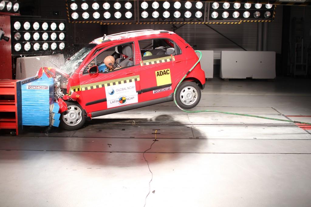Chevrolet Spark básico obtiene cero estrellas en la Latin NCAP, Chevrolet responde a críticas