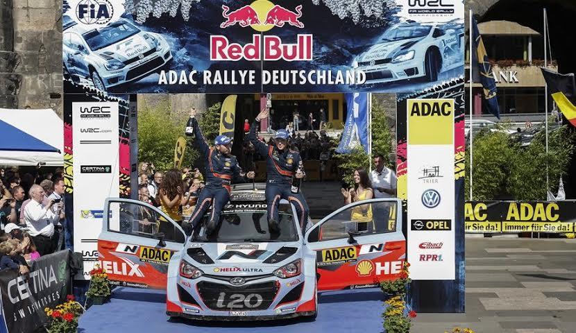 Thierry Neuville y el equipo Hyundai Shell World Rally Team comentan el triunfo en el Rally de Alemania