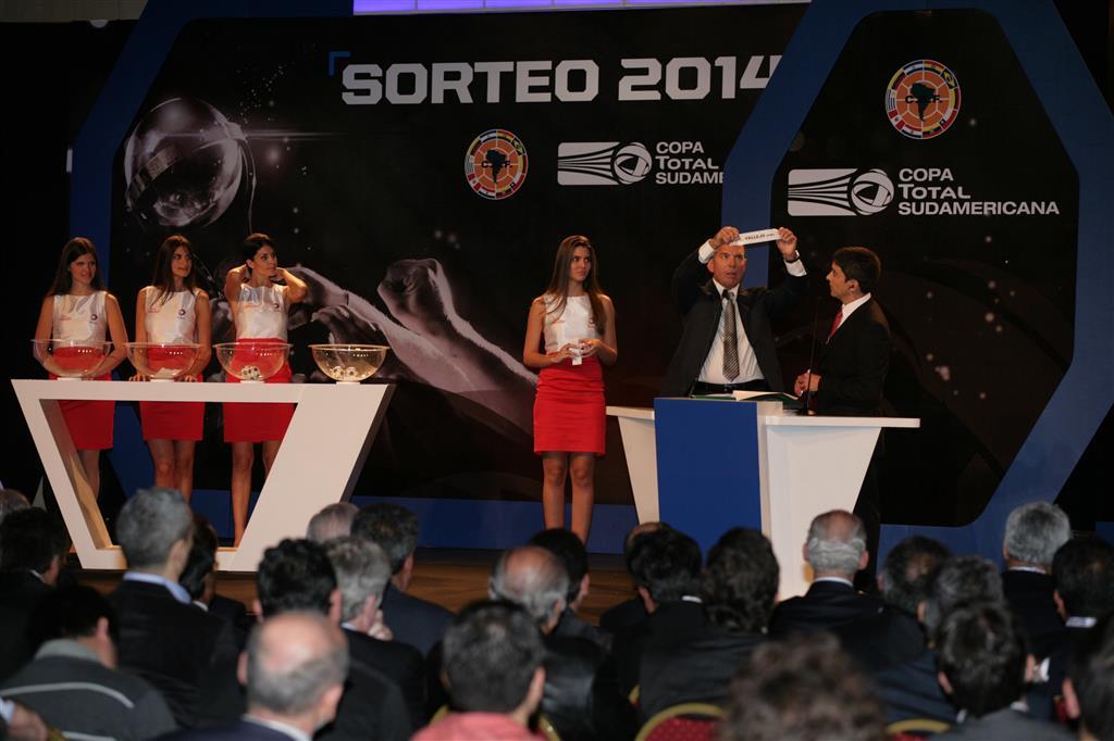 Atención peloteros, Total regala entradas al mejor foto del hincha para la final de la Copa Sudamericana
