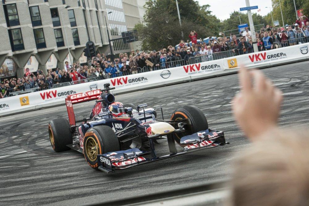 [Video] El primer choque de Max Verstappen en un Fórmula 1…