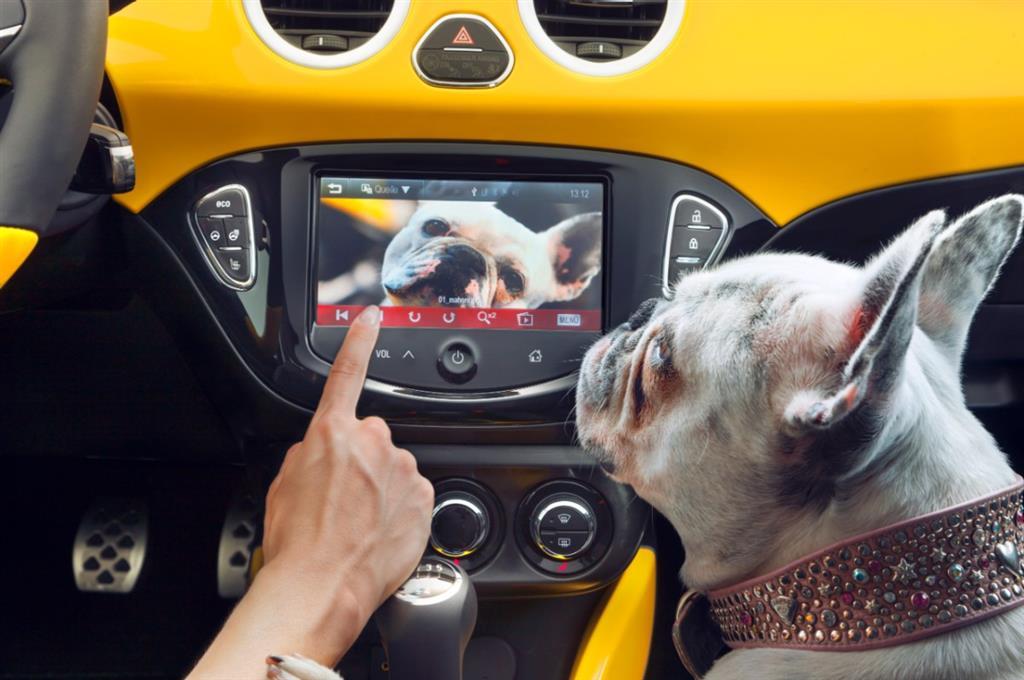 Revista Auto Bild y Computer Bild premian al sistema IntelliLink de Opel