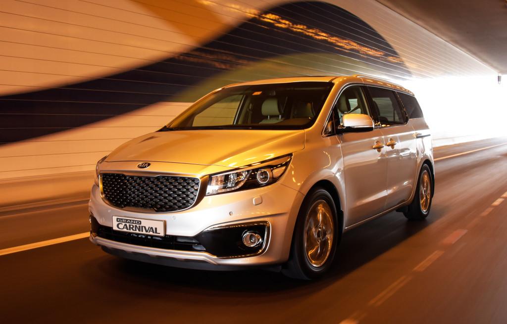 """Kia Grand Carnival es premiada como """"Ultimate Minivan Challenge"""""""