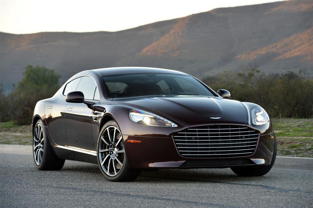 Ahora tu Aston Martin viene mejor equipado y mas accesible