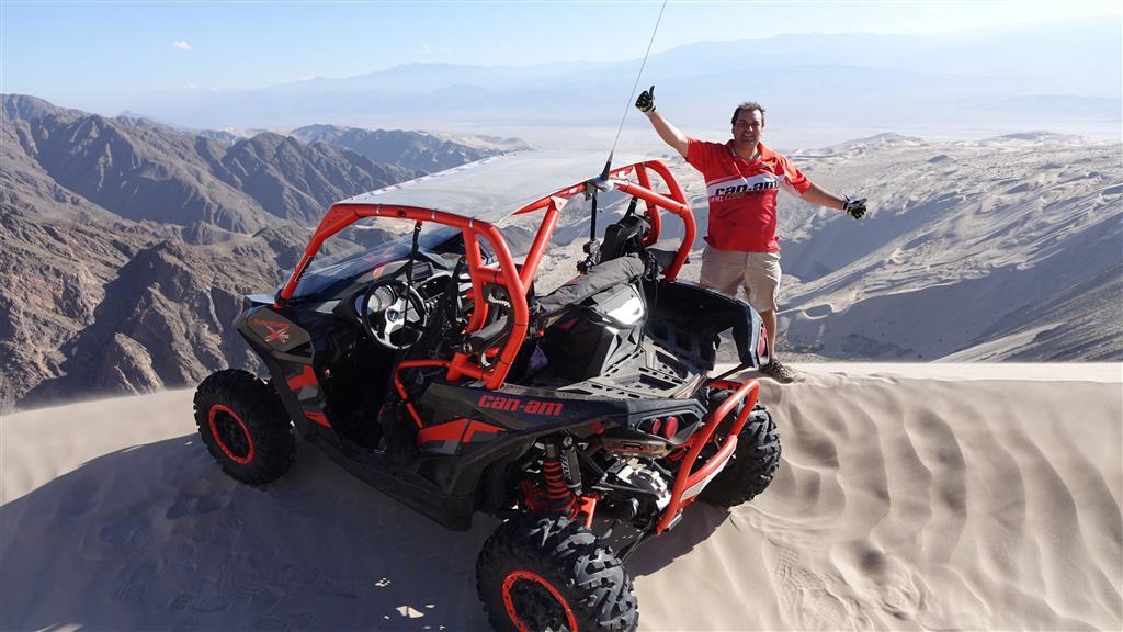 Rodrigo Pasten alcanza la duna más grande del mundo en una UTV Can Am