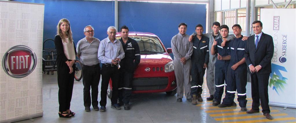 Fiat Chile hace importante donación de vehículos a instituciones de enseñanza técnico-profesional