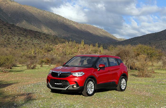 Brilliance lanza su nuevo V3 en Chile, ingresando al explosivo mercado de los SUV compactos