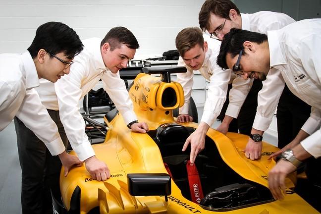 Academia Infiniti, buscando nuevos talentos de la ingeniería automotriz