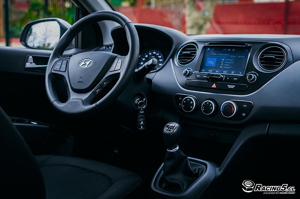 Test drive hyundai grand i10 sed n gls full gan ndole a for Que es exterior y interior
