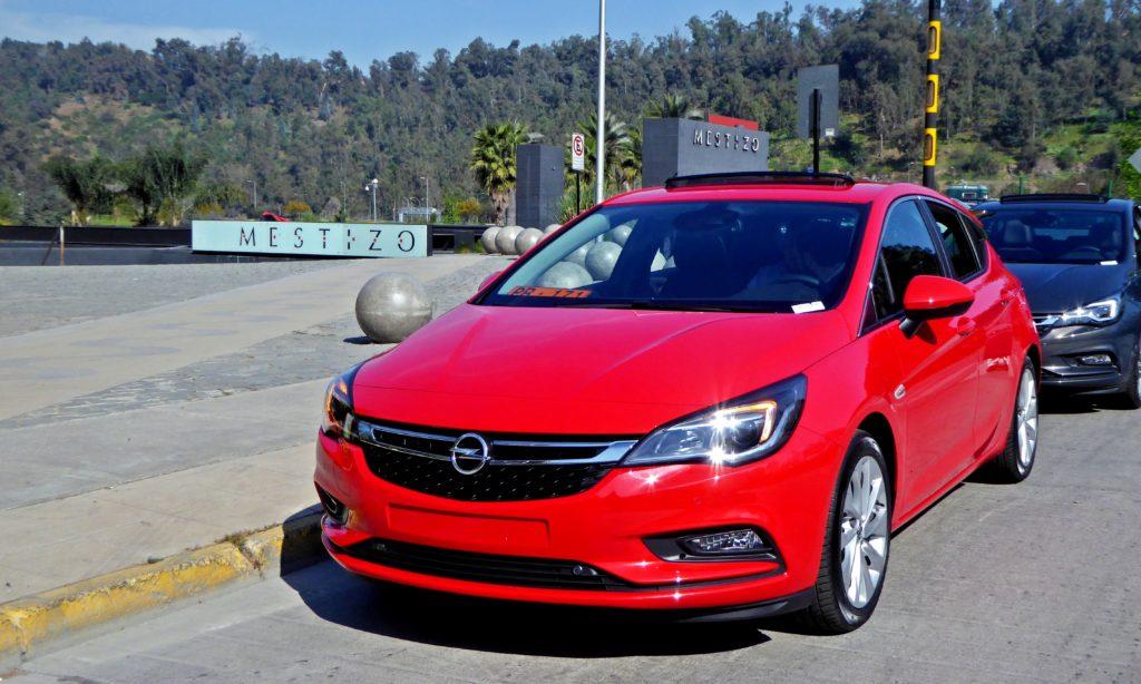 [Lanzamiento] Opel Astra 2017. Llega totalmente renovado y premiado en Europa