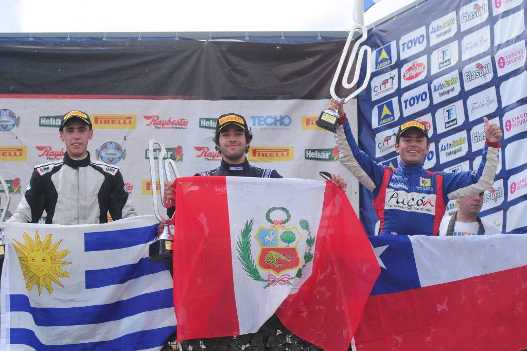 [Chilenos en el exterior] Pedro Devaud subió al podio en Uruguay