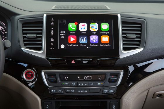2017-honda-ridgeline-apple-play