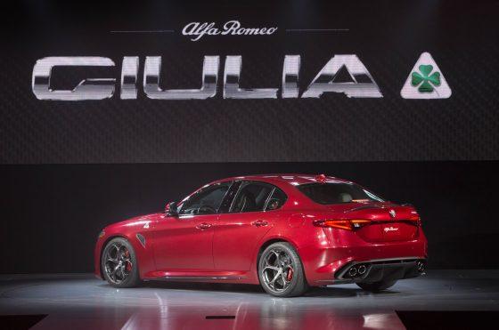 Alfa Romeo Giulia (mini)