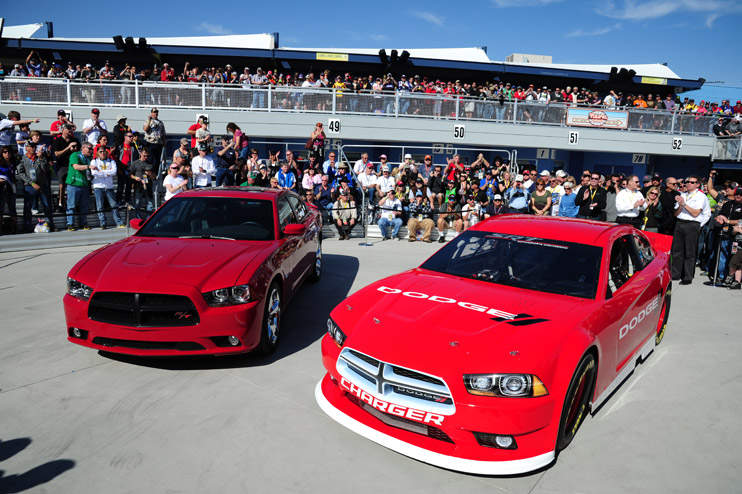 """No más """"stock-car"""" feos: Dodge presentó agresivo Charger 2013 para NASCAR en Las Vegas   Racing5"""