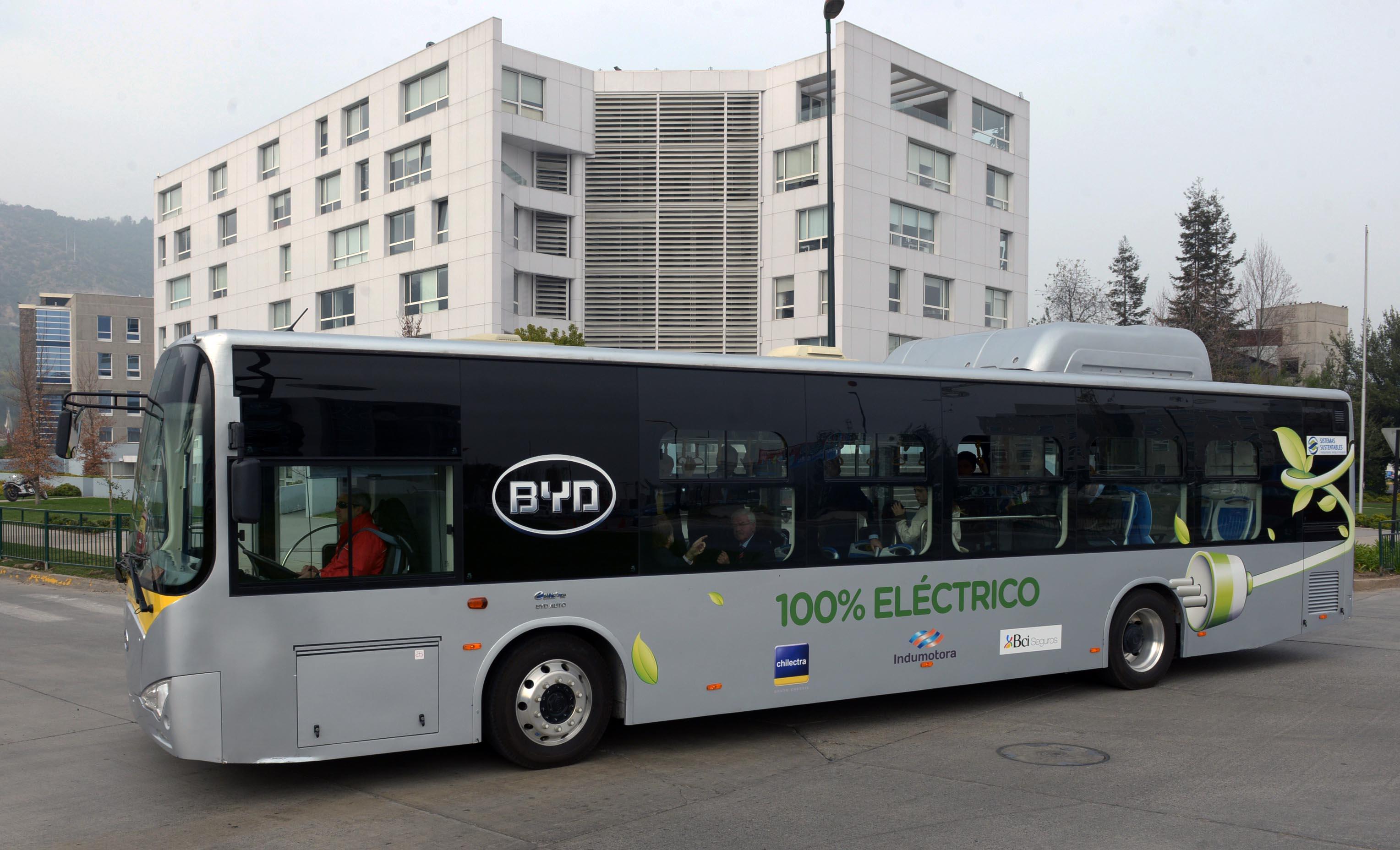 Resultado de imagen para byd bus electrico chile